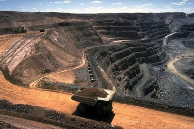 http://jamilhussain.files.wordpress.com/2009/08/thar-coal-reserves.jpg